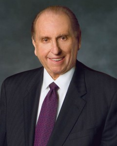 Reflexiones en torno a Thomas Monson y la Conferencia General mormona